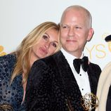 Julia Roberts y Ryan Murphy celebran el Emmy 2014 de 'The Normal Heart' a Mejor TV movie