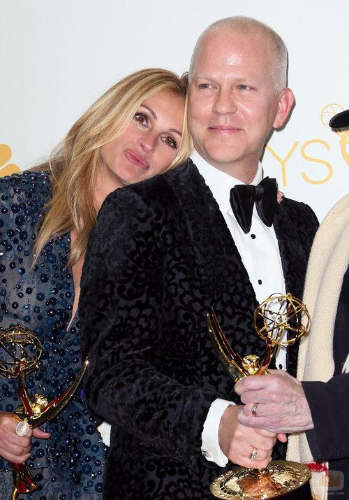 Julia Roberts y Ryan Murphy celebran el Emmy 2014 de 'The Normal Heart' a Mejor TV movie