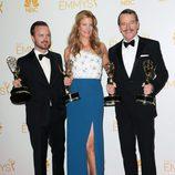 Aaron Paul, Anna Gunn y Bryan Cranston celebran el éxito de 'Breaking Bad' en los Emmy 2014
