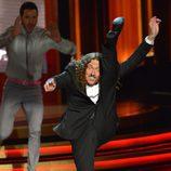 """""""Weird Al"""" Yankovic canta la sintonía de las series en los Emmy 2014"""