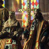Los Reyes Católicos sentados en el trono