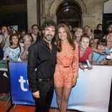 Michelle Jenner y Rodolfo Sancho posando en el FesTVal