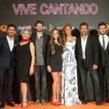 El reparto de 'Vive cantando' en el FesTVal 2014 de Vitoria