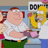 Homer Simpson se come los donuts de los Griffin