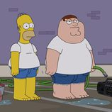 Homer Simpson y Peter Griffin en el cross over de las series