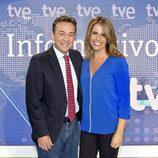 Sergio Sauca y Pilar García Muñiz en los Telediarios de mediodía