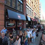 Enormes colas para visitar el 'Central Perk' de 'Friends' en Nueva York