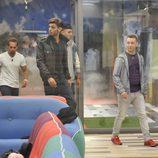 Alfredo, José, Omar y Vitín entrando en la casa de 'Gran Hermano 15'