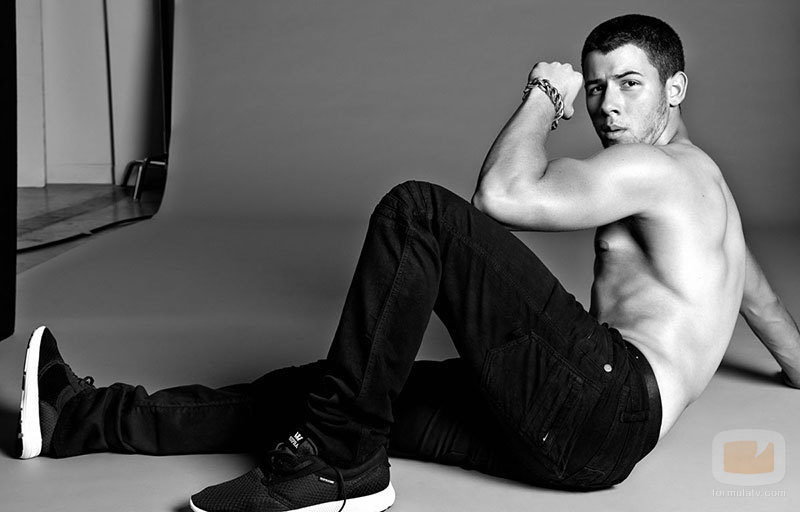 The Jonas Blog: Nick Jonas desnudo