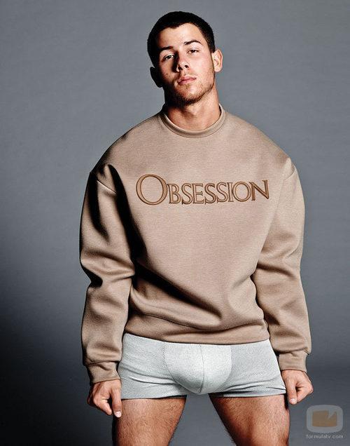 Nick Jonas se queda en ropa interior para Flaunt