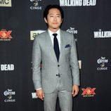 Steven Yeun en la première de la nueva temporada de 'The Walking Dead'