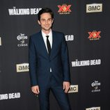 Andrew J. West en el estreno de la 5º temporada de 'The Walking Dead'