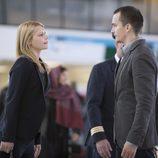 Claire Danes y Rupert Friend en 'Homeland'
