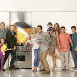 El reparto de 'Modern Family' incendia la cocina