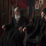 Tensión en el trono de los Reyes Católicos en 'Isabel'