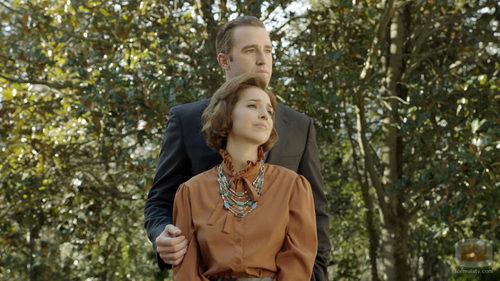 Cristina Brondo es Sofía de Grecia y Fernando Gil es Juan Carlos de Borbón de adulto en 'El rey'