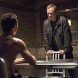 Jack Bauer interroga a un sospechoso en '24: Vive otro día'