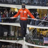 Nik Wallenda comienza su reto desde la torre oeste del Marina City