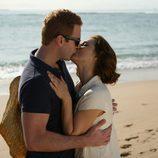 Fernando Gil y Cristina Brondo se besan en 'El rey'