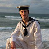 Patrick Criado vestido de marinero en 'El rey'