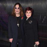 Ozzy Osbourne posa junto a Sharon Osbourne en la alfombra roja de los MTV EMA 2014