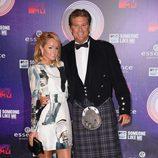 David Hasselhoff y su novia Hayley Roberts en la alfombra roja de los MTV EMA 2014