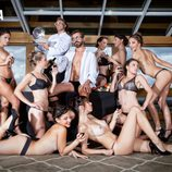 Santi Millán, rodeado de bellezas desnudas en Primera Línea