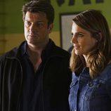 Stana Katic y Nathan Fillion en un nuevo caso en la séptima temporada de 'Castle'
