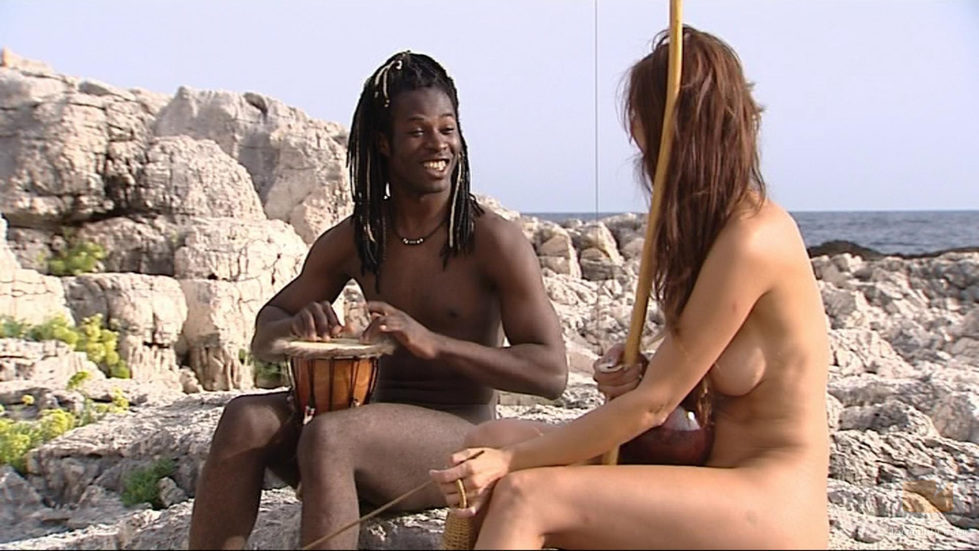 Coman y Esther cantan en 'Adán y Eva'