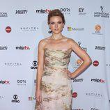 Erin Richards en los Emmy Internacional 2014