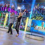 Los presentadores Patricia y Flo en la cuarta entrega de 'Killer Karaoke'