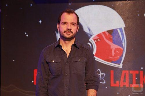 Ángel Martín conduce 'Órbita Laika'