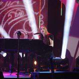Birdy durante su actuación en  los Premios 40 Principales 2014