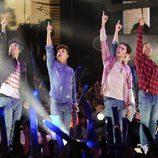 Midnight Red durante su actuación en  los Premios 40 Principales 2014
