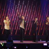 One Direction durante su actuación en los premios Premios 40 Principales 2014