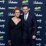 Antonia San Juan y Luis Miguel Segui en el photocall de los Premios 40 Principales 2014