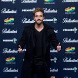 Pablo Alborán en el photocall de los Premios 40 principales
