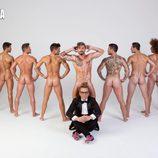 Juan Carlos, Pascual, Kristian, y otros seis chicos reciben el 2015 desnudos junto a Torito en Primera Línea