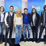 Jaime Cantizano junto a los artistas de 'Hit-La canción'