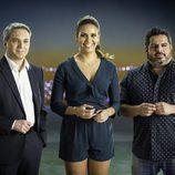 """Vicente Vallés, Cristina Pedroche y Jalis de la Serna en """"Regálate tú"""""""