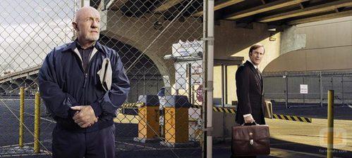 Jonathan Banks y Bob Odenkirk en una imagen promocional de 'Better Call Saul'