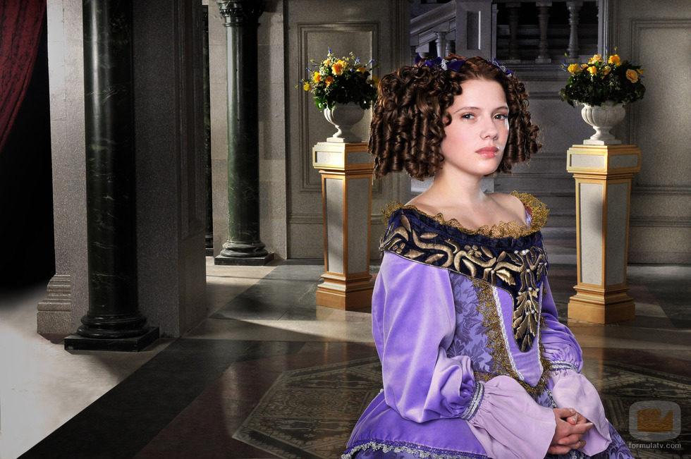 Diana Gomez da vida a la Infanta María Ana de Austria.