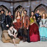 El elenco de 'Alatriste' posando en grupo