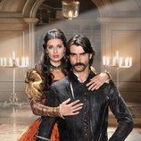 Aitor Luna y Natasha Yarovenko en 'Las aventuras del capitán Alatriste'