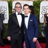 Matt Bomer y su marido Simon Halls en los Globos de Oro 2015