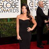 Gina Rodriguez en la alfombra roja de los Globos de Oro 2015