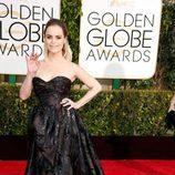 Taryn Manning en la alfombra roja de los Globos de Oro 2015