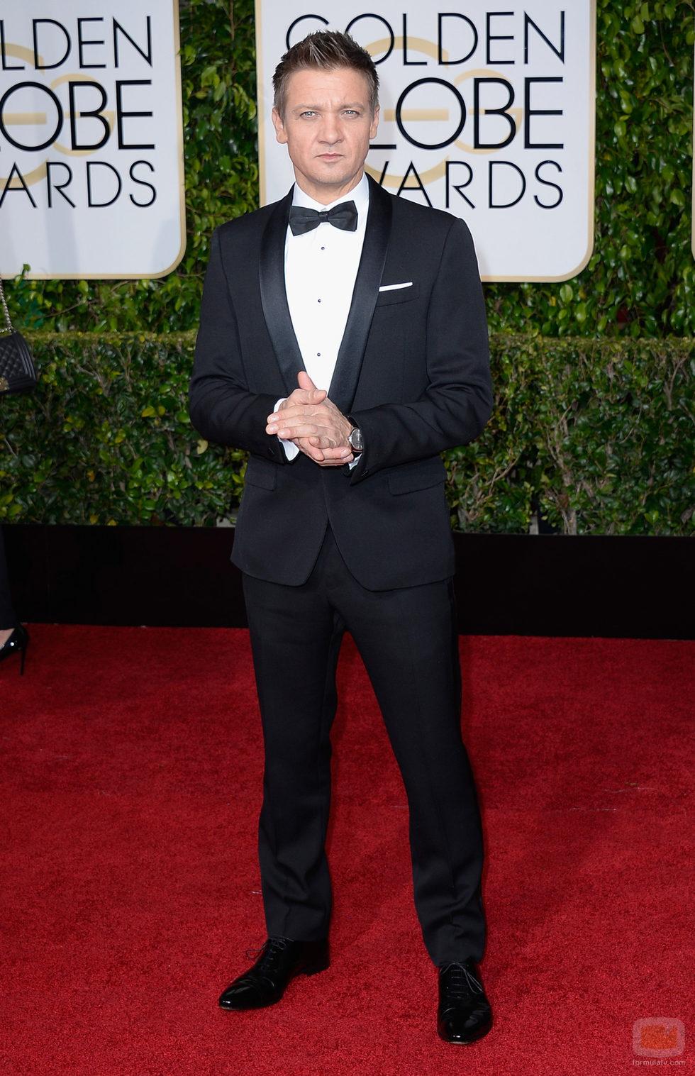 Jeremy Renner en la alfombra roja de los Globos de Oro 2015