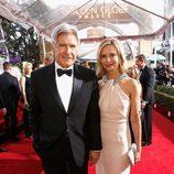 Harrison Ford y Calista Flockhart en los Globos de Oro 2015