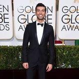 Justin Baldoni en la alfombra roja de los Globos de Oro 2015